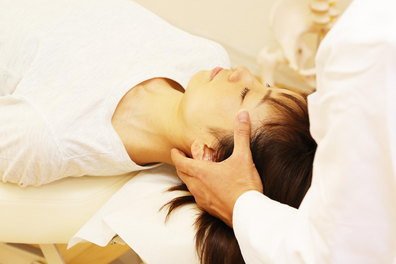 頚椎矯正で首の痛み治療