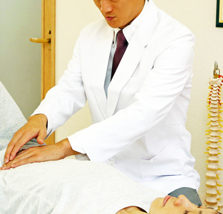 産後の骨盤矯正と内臓治療